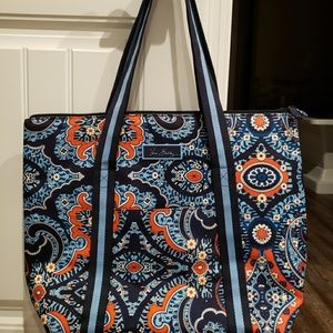 Vera Bradley lighten up large cooler tote